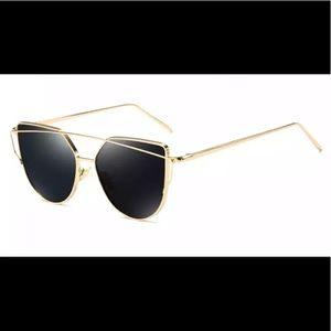 Luxury Cat Eye Sunglasses Gold/Black